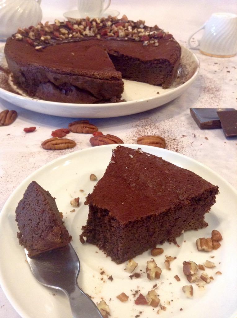 Bolo mousse de chocolate 4 ingredientes sem farinha