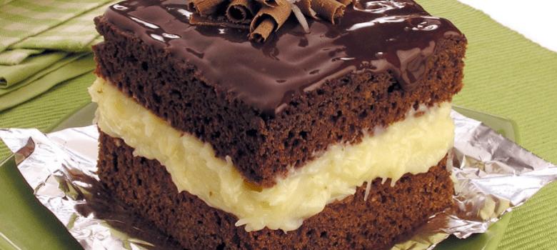 Bolo gelado de chocolate e coco caseiro
