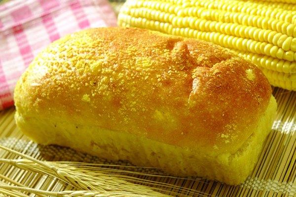 Receita de pão de milho de liquidificador fácil e fofíssimo