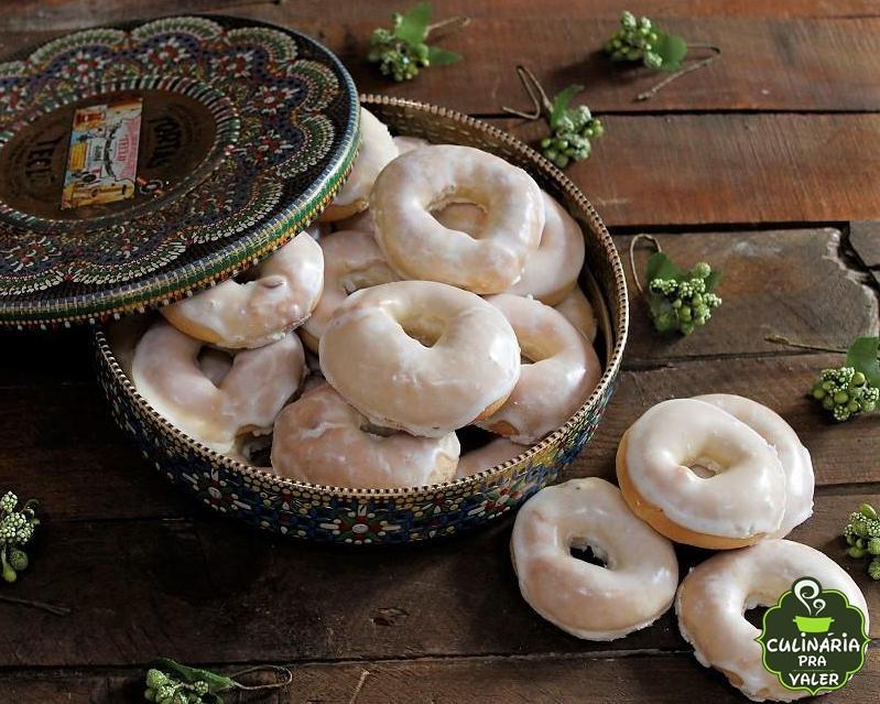 Rosquinha doce assada com fermento em pó