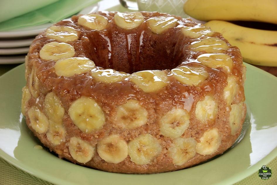 Bolo fit de banana caseiro delicioso e simples de preparar