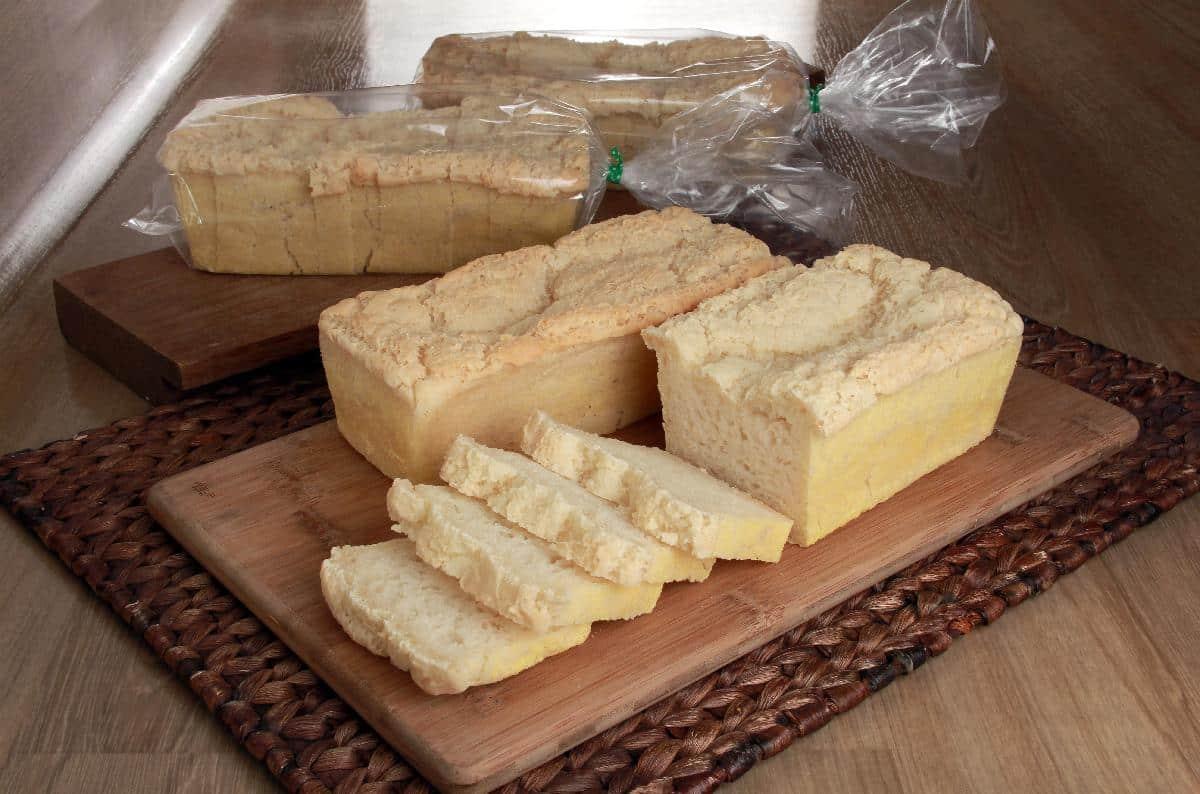 Pão caseiro sem glúten e sem lactose para embalar e vender