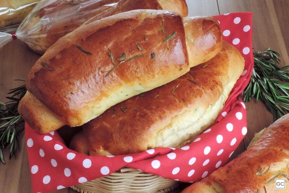 Pão com ervas caseiro delicioso e super fácil