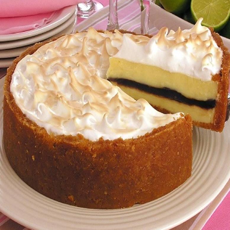 Torta de limão com recheio de chocolate simplesmente maravilhoso