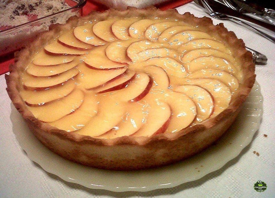 Torta de maçã caseira com creme perfeita e muito saborosa