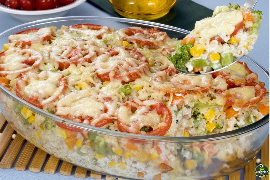 Arroz de forno com legumes simplesmente delicioso e fácil de fazer