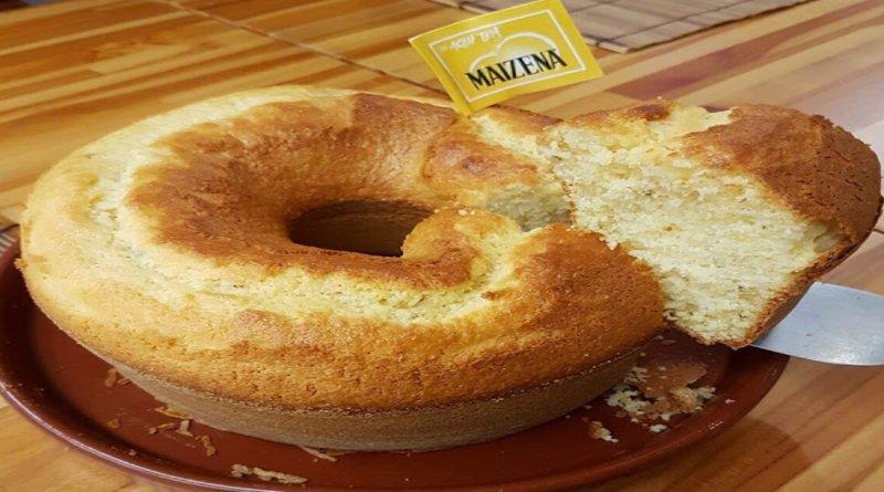 Bolo de maisena sem farinha e sem leite fofinho e delicioso