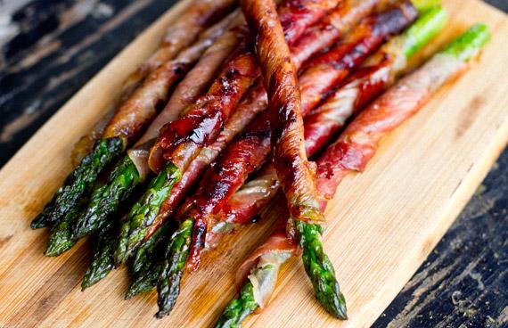Como fazer aspargos enrolados com bacon